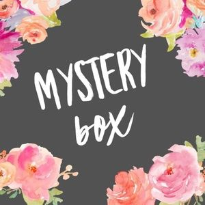 RESELLER MYSTERY BOX! $25 5-7 GREAT WOMEN'S ITEMS!